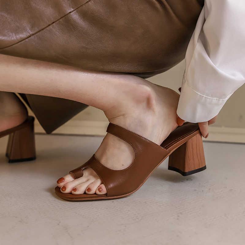 ออกแบบแบรนด์ผู้หญิงรองเท้าแตะเปิดแคบรองเท้าแตะส้นสูงฤดูร้อนกลางแจ้งชายหาด Sandalias