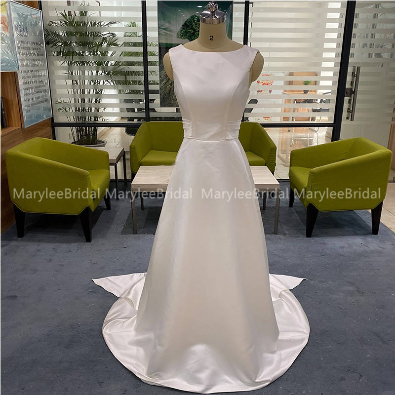 Elegant A-line Wedding Gowns Jewel Neck Backless Bridal Dress With Sash Simple 100% Real Photos Satin Wedding Gowns Sweep Train