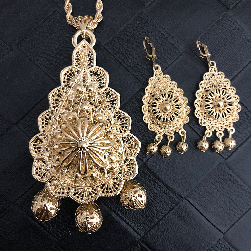Luxury Dubai Jewelry Necklace Sunflowers Pendent Bistratal Long Chain Necklace And Earrings Gifts Flower Hollow Pendents Women Women's Accessories f02846ee759da375bf7e2a: flower1|flower2|flower5|flower7|flower9|Silver Plated