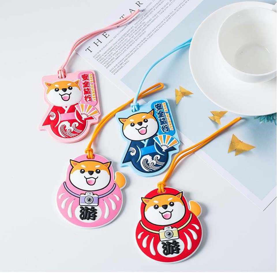 Accesorios de viaje Kawaii perro Anime equipaje etiqueta maleta dirección ID etiquetas portátiles Etiquetas de equipaje regalos nuevos