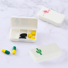 Mini estuche organizador de 3 rejillas para pastillas, tableta con caja, flamenco, hoja de Cactus, dispensador de pastillas, caja de medicina, Kit médico dispensador