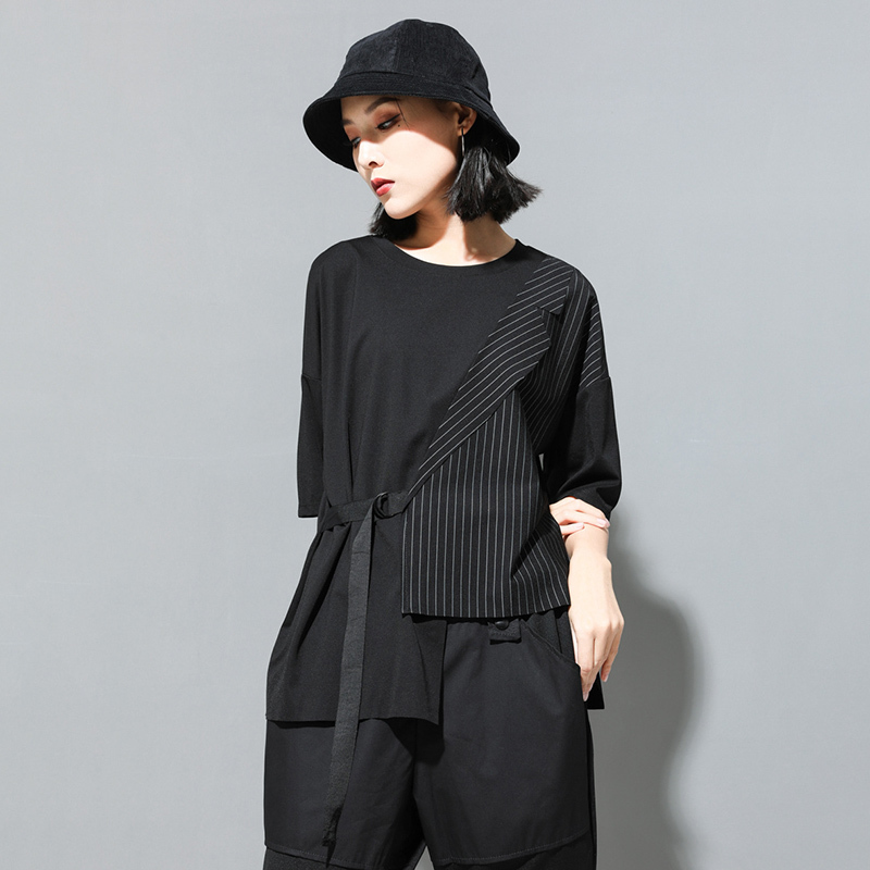 [EAM] Women Black Striped Asymmetrical Big Size T-shirt New Round Neck Half Sleeve  Fashion Tide  Spring Summer 2020 JT230 2