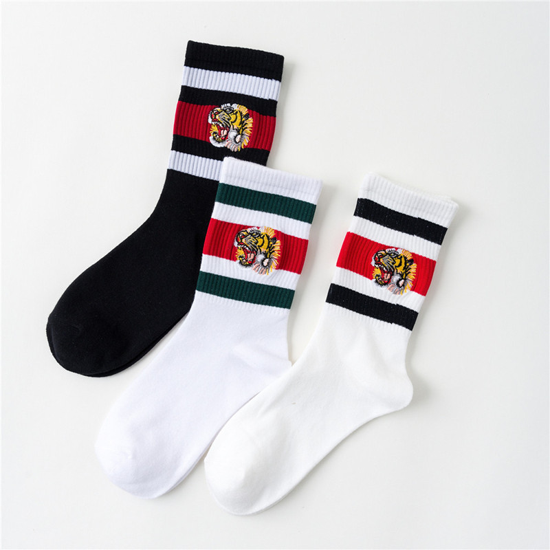 New Unisex Couple Tiger Head Embroidery Socks Men Women Mid Tube Sport Cotton Classic Casual Happy Funny Socks Hip Hop Sox Solid