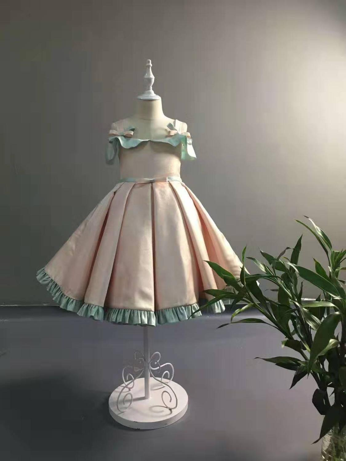 A-line Satin Flower Girls Dresses Off The Shoulder First Communion Dresses For Girls Princess Party Gowns