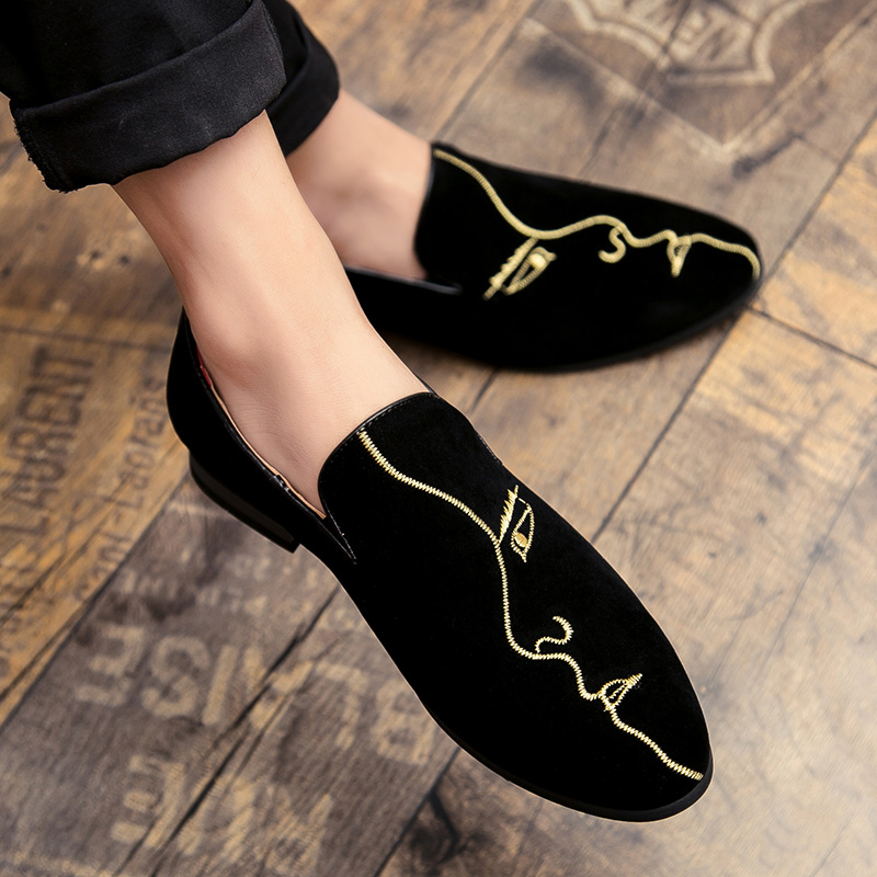 Hot Sale New Men's Comfortable Loafers Rhinestone Rivet Pointed Men Formal Shoes Men's Wedding Party Flat Shoes