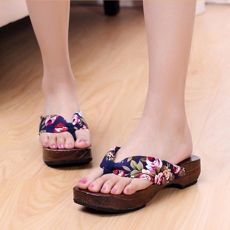 Summer Beach Sandals Japanese Style Geta Clogs Women Paulownia Wooden Slippers Flats Flip Flops Round Toe Shoes Cosplay Costumes