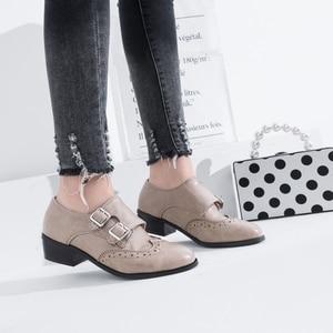 Image 5 - حذاء حريمي فردي جديد ربيعي وخريفي بكعب متوسط خشن للطالبات أطقم من الأحذية النسائية لعام 8732