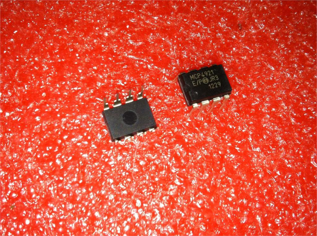 1PCS MCP4921 Digital Analog Converter IC MICROCHIP DIP-8 MCP4921-E//P MCP4921