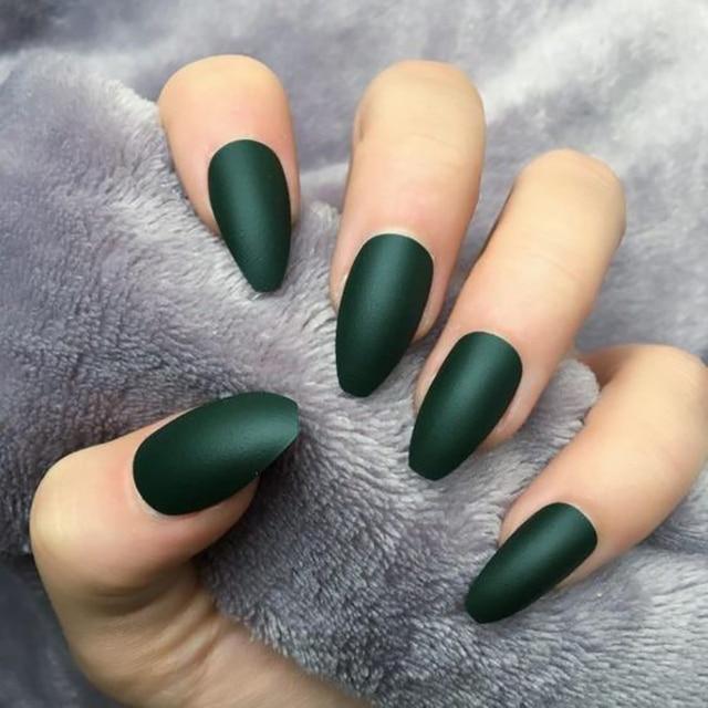 Vernis à ongle permanent Onglerie Vernis permanent Bella Risse https://bellarissecoiffure.ch/produit/vernis-a-ongle-permanent/