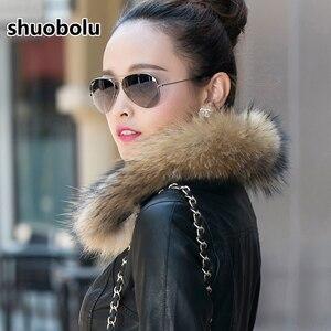 Image 5 - Mule natural oversized gola de pele da motocicleta jaqueta de couro 2020 novas mulheres inverno curto biker jaqueta tamanho grande roupas femininas