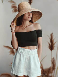 Lamp-Shape Straw-Hat...