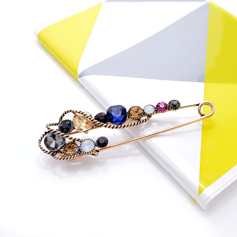 CINDY XIANG Rhinestone Large Pin Brooches For Women Vintgae Sweater Pin Fashion Design Wedding Brooch High Quality New 2021 5