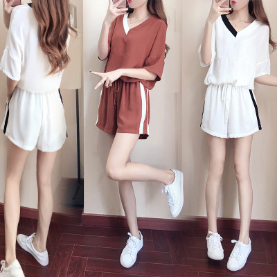 Sports Casual WOMEN'S Suit Summer 2019 New Style Fashion Korean-style Loose-Fit V-neck Short Sleeve T-shirt Wide-Leg Shorts Two-