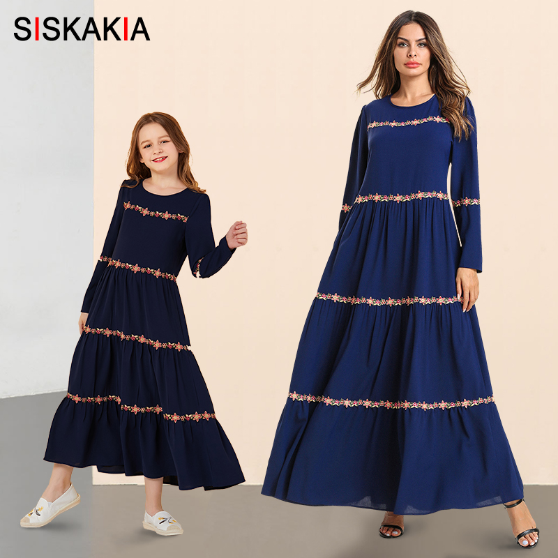 Elegant Mother And Girl Swing Long Dress Casual Muslim Family Matching Outfits Long Sleeve Dresses Blue Floral Embroidery Autumn