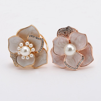 Korean high-end simple three-ring scarf scarf buckle wild pearl shawl buckle accessories corsage