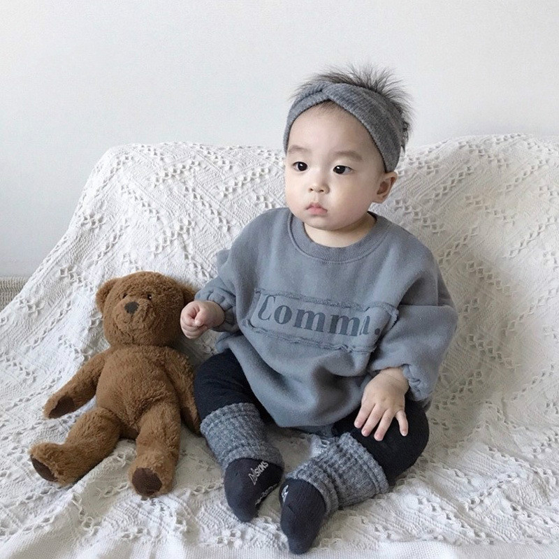 2020 Baby Girl Bodysuits Baby Letters Velvet One-piece Sweater Girls And Boys Fashion Loose Baby Bodysuit 3