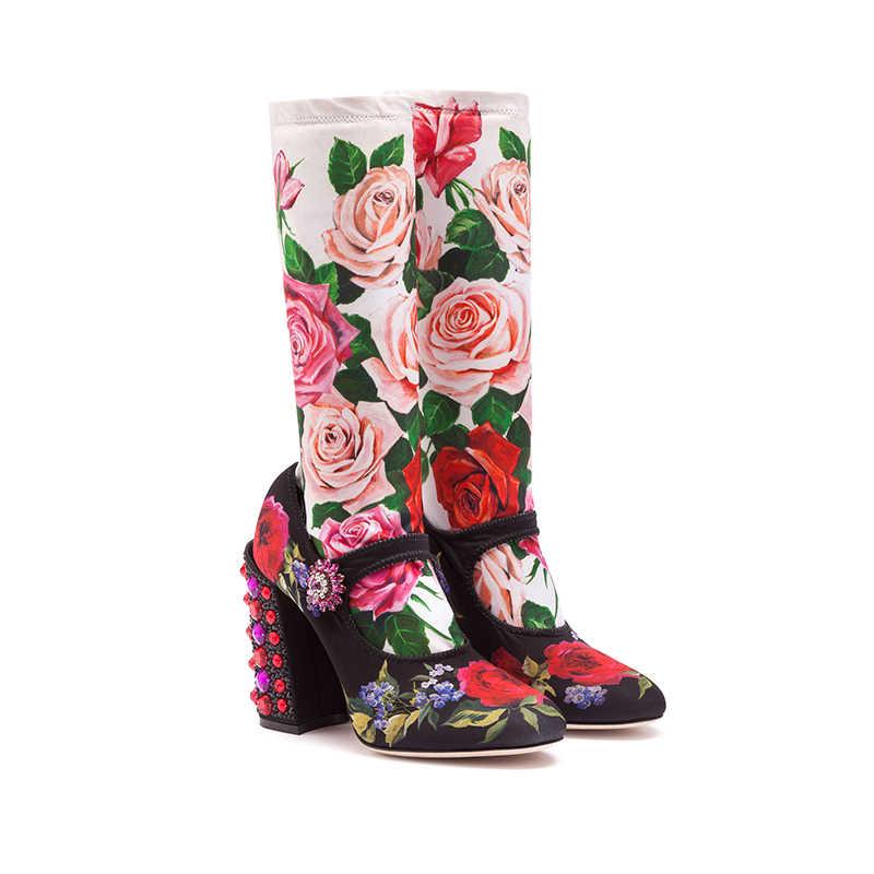 Tasarımcı taş tıknaz topuklu elastik çizmeler kadın gül kırmızı yuvarlak ayak orta buzağı Botas kadın Patchwork kristal toka parti ayakkabıları