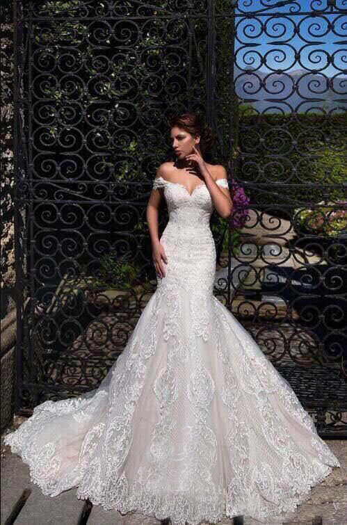 New Arrival 2019 Off The Shoulder High Quality Lace Custom Made Court Train Luxury Mermaid Wedding Gown