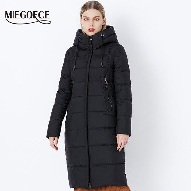مجموعة شتاء 2019 من MIEGOFCE مجموعة جديدة معطف شتاء للنساء بقلنسوة برقبة على الطراز الأوروبي جاكيت شتاء أنيق ودافئ للنساء