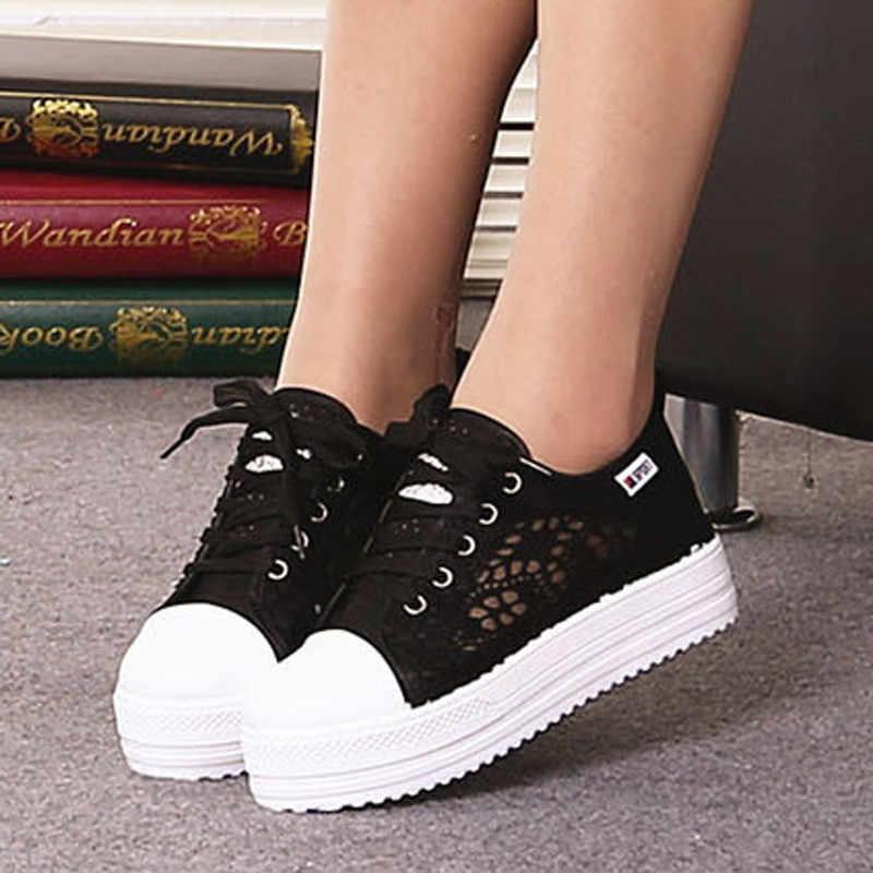 ขนาด 35-42 Hollow ดอกไม้ผู้หญิง Chunky รองเท้าผ้าใบแพลตฟอร์มรองเท้าสบายๆผู้หญิงฤดูร้อนลูกไม้สีดำสีขาวรองเท้าผู้หญิงแฟชั่น