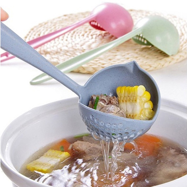 Heißer Verkauf 2 in 1 Lange Griff Suppe Löffel Hause Sieb Kochen Sieb Küche Scoop Kunststoff Pfannen Geschirr-in Löffel aus Heim und Garten bei