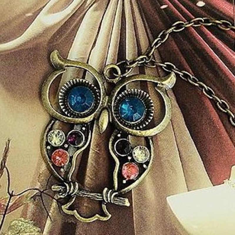Gratis Pengiriman Paduan Versi Korea Perhiasan Korea Versi Retro Warna Bor Berongga Ukiran Burung Hantu Yang Indah Kalung