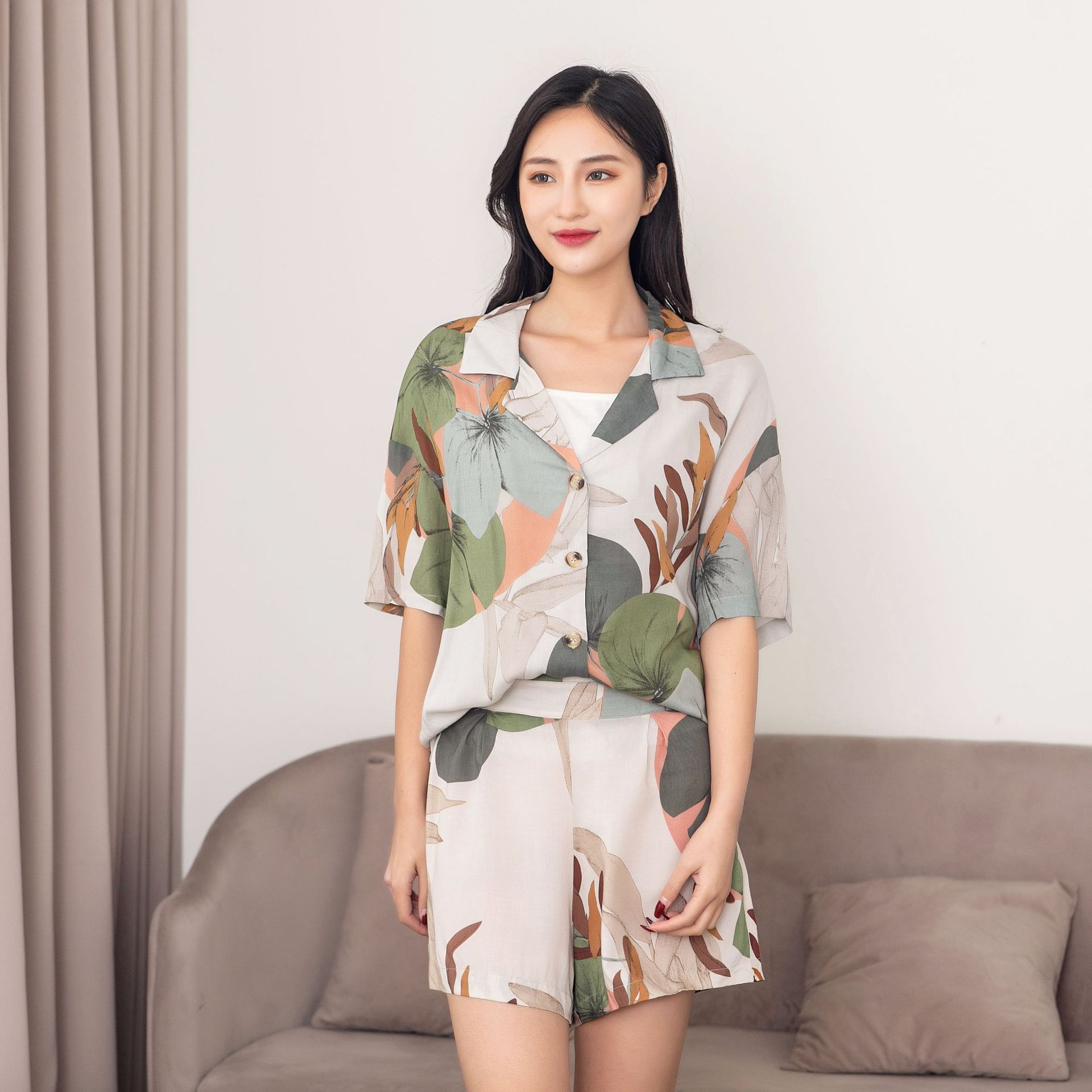 Ladies Shorts Pajamas Set For Summer Newest Leaves Printing Short Sleeve With Shorts Pajamas Cardigan Lapel Women Shorts Pajamas