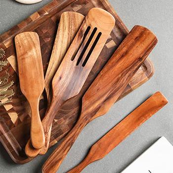 1-5 sztuk zestaw drewno tekowe naturalny długi uchwyt łopatka kuchnia Turner nieprzywierająca naczynia do gotowania drewniana szpatułka szpatułka z otworami zestaw tanie i dobre opinie CN (pochodzenie) Drewna Jednorazowe Ekologiczne Zaopatrzony Ce ue Lfgb Zestawy narzędzi do gotowania