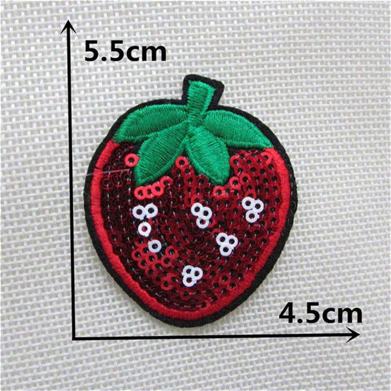 Venda quente frutas lantejoulas morango ferro no remendo t camisa adesivo transferências remendos costurar em meninas vestido com capuz calças casaco sapatos