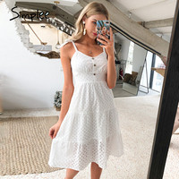 Платье с декоративными пуговицами  Цена на распродаже 1130 ₽ ($14.24)  Посмотреть