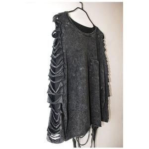 Image 3 - [Xitao] 2016 ホット販売ヨーロッパパンク人格のスタイルの女性洗濯 ブラックカラー中空アウトとタッセル女性tシャツYJ001