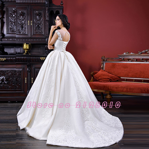 Image 2 - 공주 공 가운 웨딩 드레스 2020 vestido de noiva princesa 모자 슬리브 레이스 구슬 진주 appliques 화려한 드레스