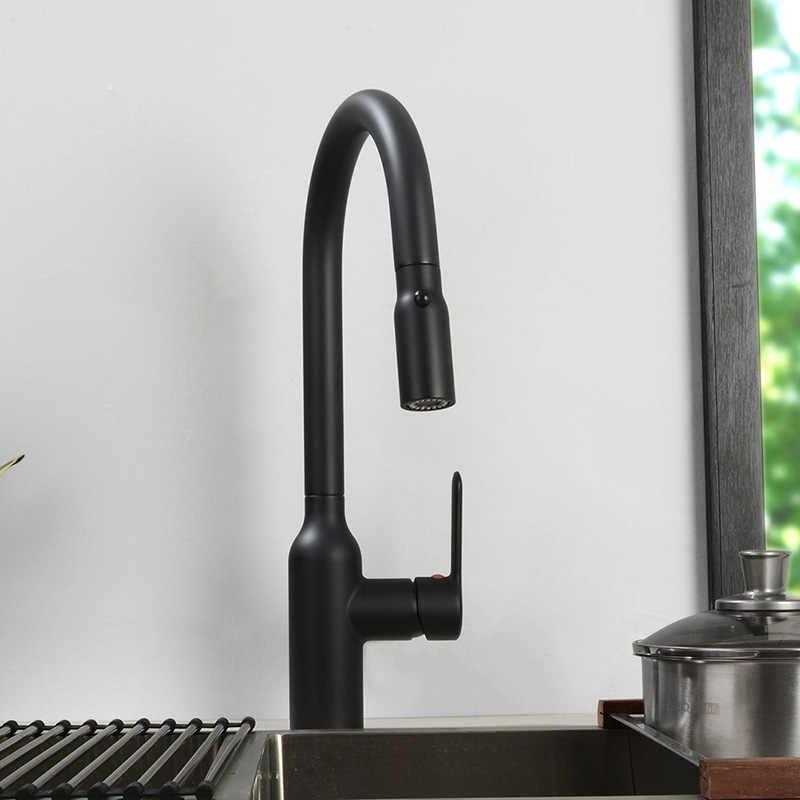 حنفية مطبخ مزدوجة الوظيفة مغناطيسية آمنة بسحب رأس صنبور معدني 100% لصنبور خلاط مياه للمطبخ لون أسود وكروم