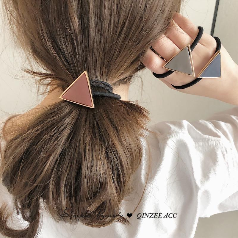 Simple geometry tie head rubber band