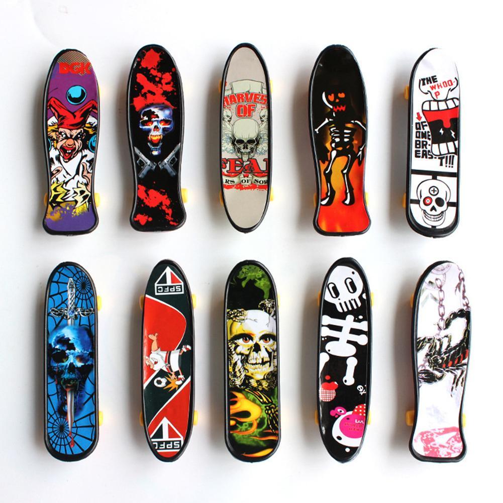 Children's Educational Toys Creative Fingertip Movement Finger board Mini Finger Skateboard Alloy Skate Boarding Toys Random Col