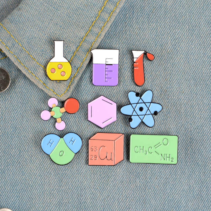 Kimia Model Molekul Logam Enamel Bros Tabung Gelas Pin Lencana Trendi Ilmuwan Sarjana Gaun Ransel Perhiasan Hadiah