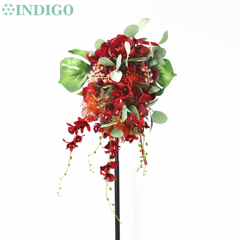 INDIGO conçu-mariage mariée tenant rouge fleur Arrangement goutte d'eau forme Bouquet livraison gratuite
