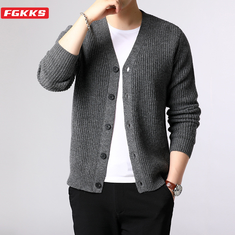 FGKKS Brand Men Solid Cardigan Sweater Men's Fashion V-Neck Casual Sweaters Base Wild Knitting Slim Sweater Coat Male