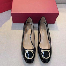 Schwarz Frühling Herbst Luxus Marke Flache Frauen Schuhe 2021 Designer Schuhe Apricot Heels Rot Arbeit Beruf Stick Pumpen Maultiere