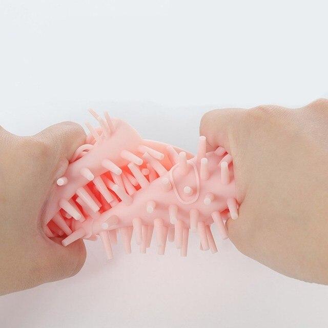 Фото силиконовая щетка для кошек угловая массажная саморасческа расческа