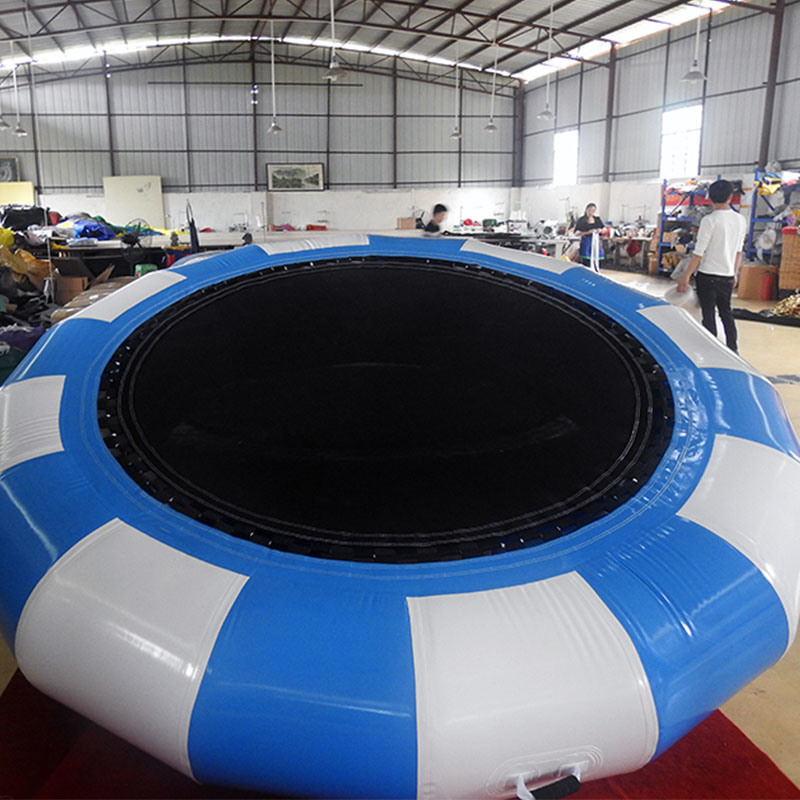 Funny Inflatable Water Toys 1.5m Trampaulin For Water Park Games