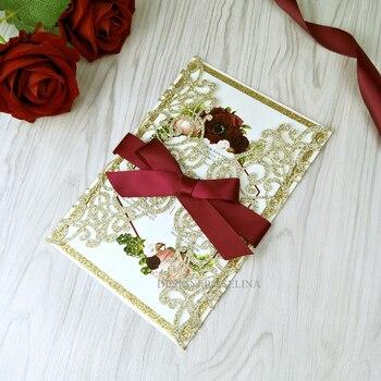 50 invitaciones de boda con base dorada con purpurina color champán cortadas con láser con cinta Burdeos impresión personalizada invitación de quinceañera