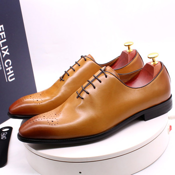 Luxury Brand Mens Oxford Shoes Genuine Leather Classic Whole Cut Lace Up Wedding Party Men Dress Shoes Brogue Business Shoes men dress shoes genuine leather men oxford shoes luxury brand flats wedding oxford lace up loafers bullock shoes chaussure homme
