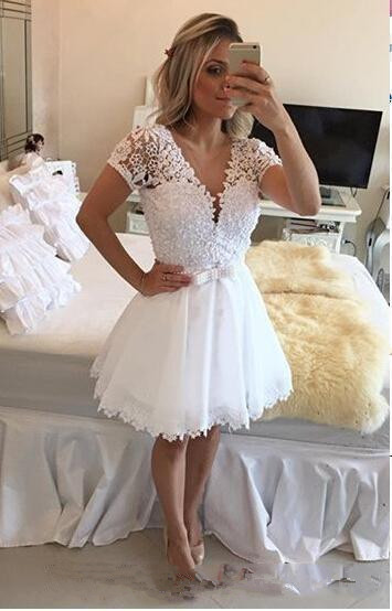 White Homecoming Dresses A-line V-neck Cap Sleeves Short Mini Appliques Lace Pearls Cocktail Dresses