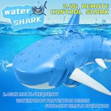 Jouet bateau de requin télécommandé 34x14x9cm 2.4g, jouet pour piscine salle de bains, queue hautement simulée peut se balancer