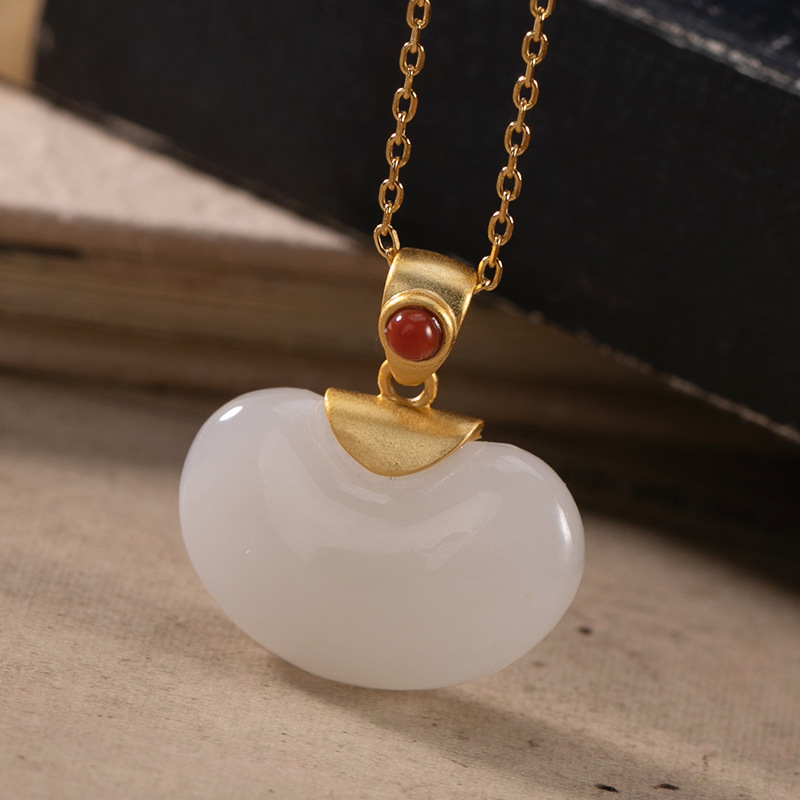 LuYin S925 pure silver red high-grade hetian jade Bai Yuna temperament woman sex bean gold-plated pendant sets of chain