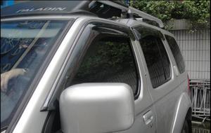 Image 5 - منحرف نافذة جانبية لتشنغتشو نيسان بالادين Oting الاكريليك الأسود نافذة درع الشمس المطر منحرف الحرس SUNZ
