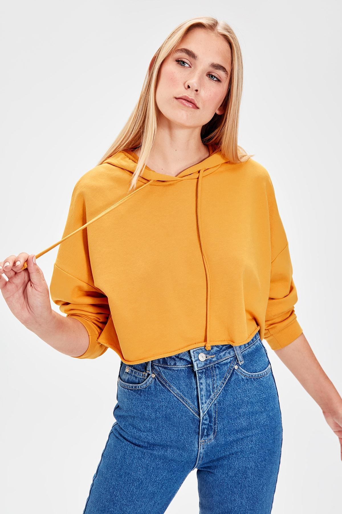 Trendyol Mustard Hooded Crop Knitted Sweatshirt TWOAW20SW0144