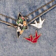 Estilo japonês bonito papel guindaste esmalte broche para mulheres meninas moda origami animal emblema pinos jóias presentes de festa