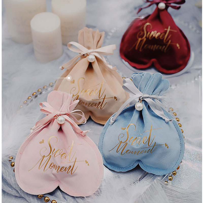 "New Stamping ""sweet Moment"" Heart Flannel Gift Box Chocolate Candy Box Wedding Favor Boxes Baby Shower Festival Party Decoration"